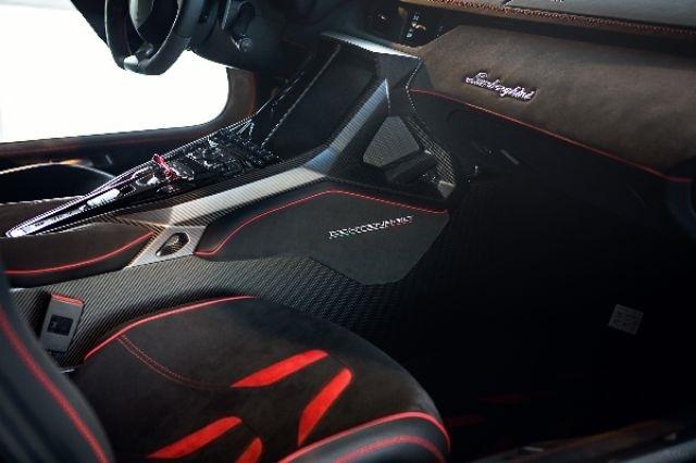 2017_Lamborghini_Centenario_05