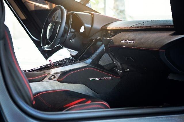 2017_Lamborghini_Centenario_06