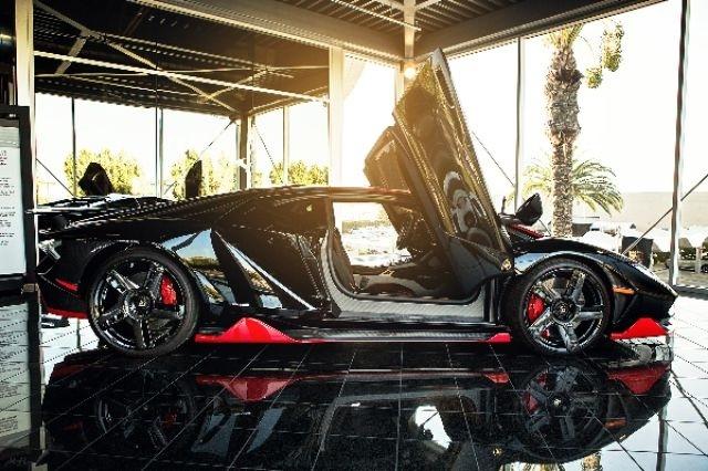 2017_Lamborghini_Centenario_08