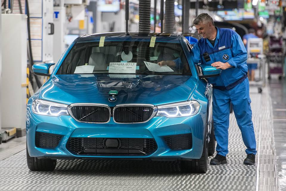 2018_BMW_M5_production_0000