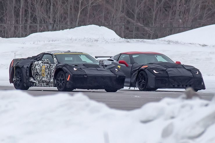 2018_Chevrolet_Corvette_midengined_0000