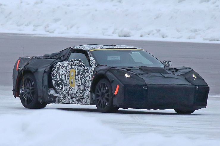 2018_Chevrolet_Corvette_midengined_0001