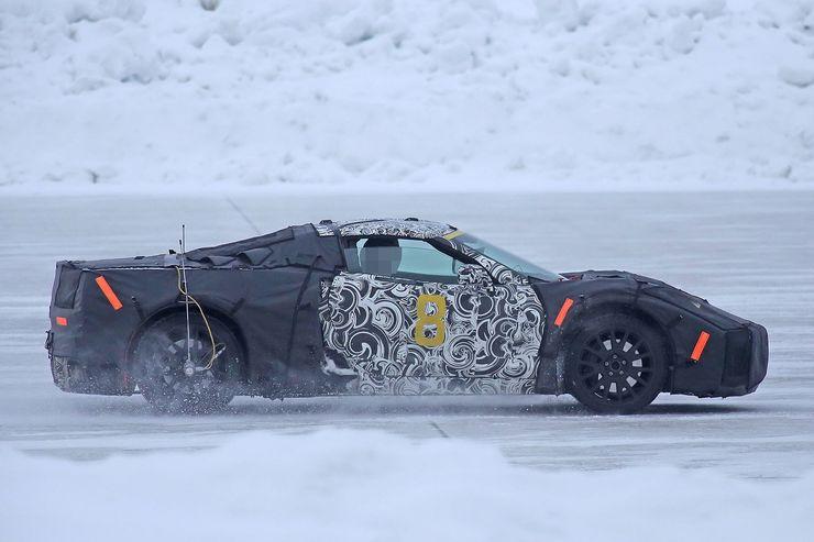 2018_Chevrolet_Corvette_midengined_0003