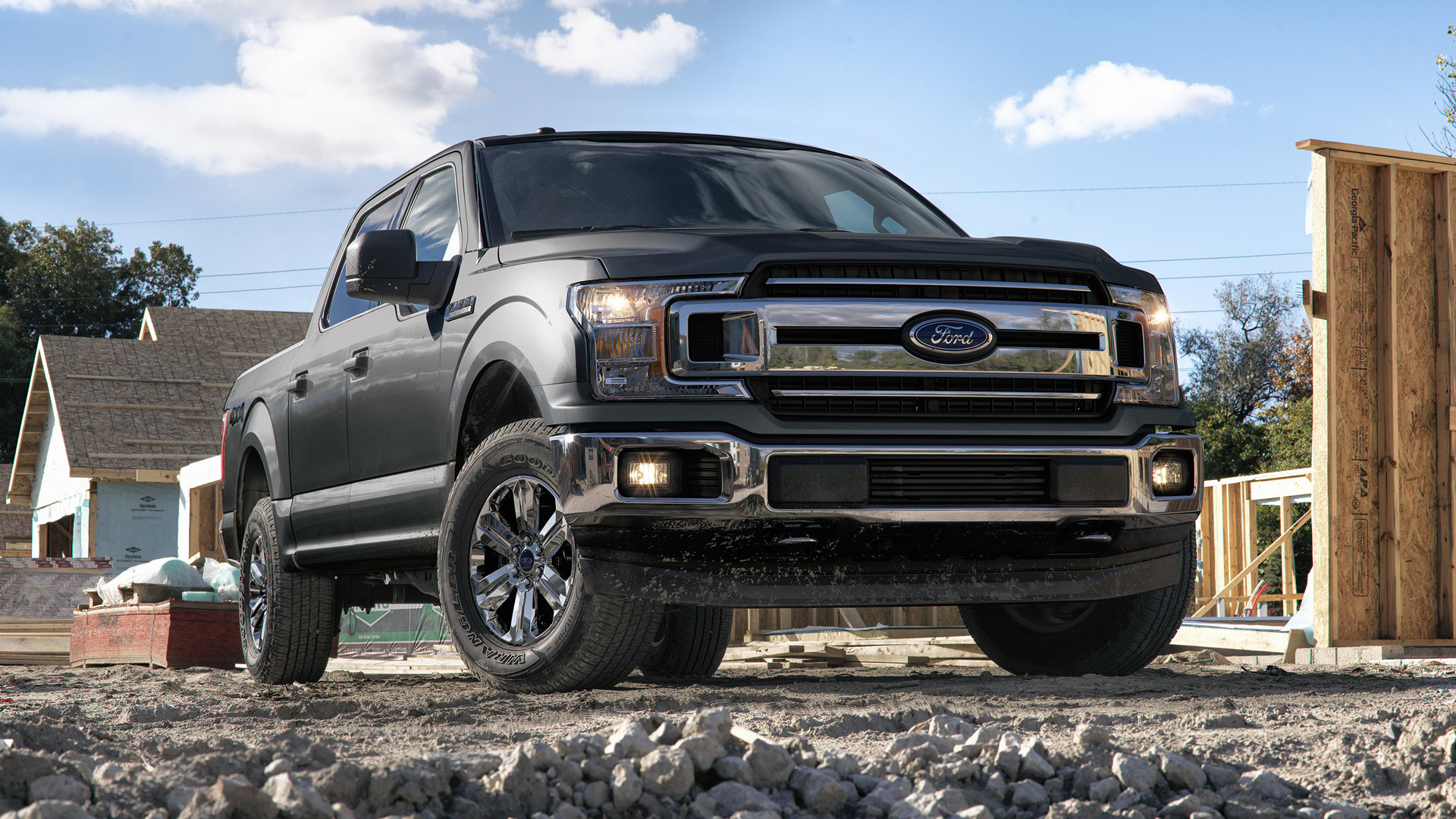 2018_Ford_F-150_09
