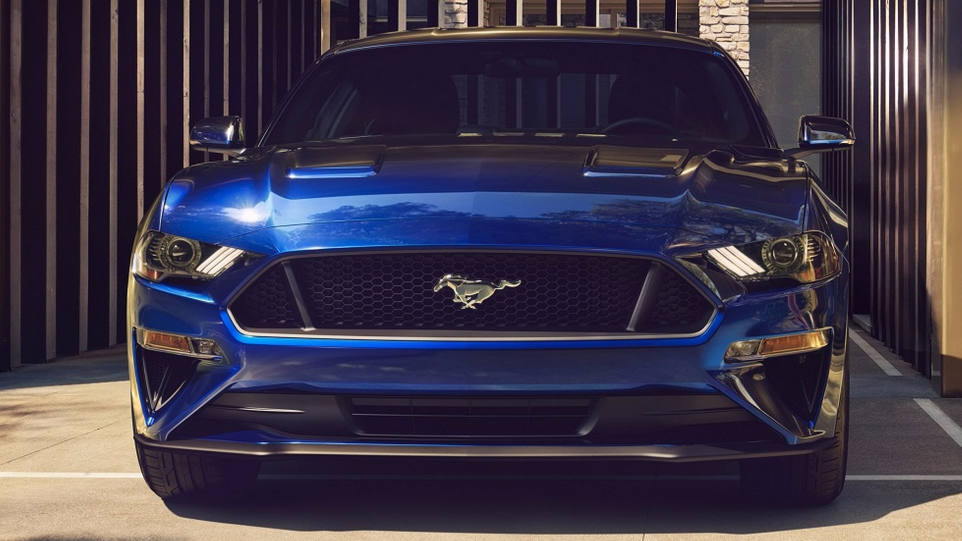 2018_Ford_Mustang_facelift_23