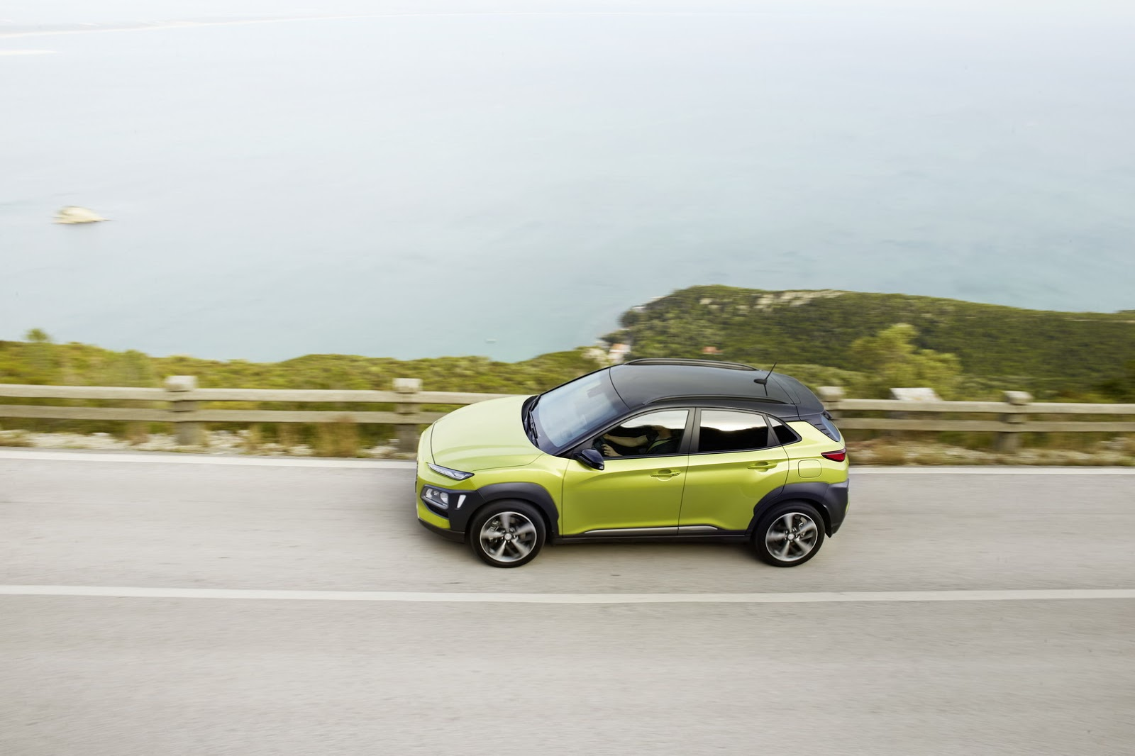 Hyundai-Kona 2018 photos (10)