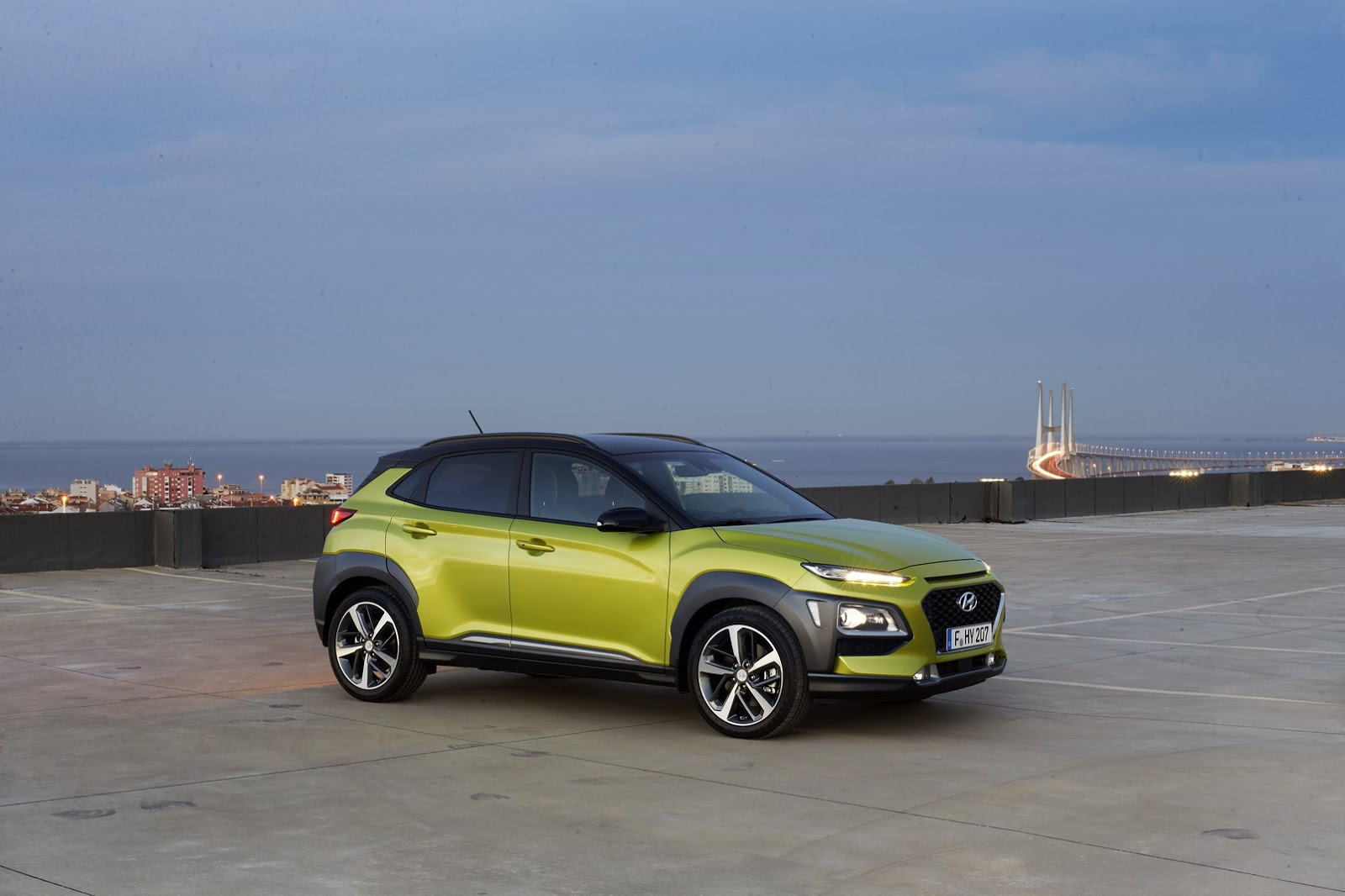 Hyundai-Kona 2018 photos (7)