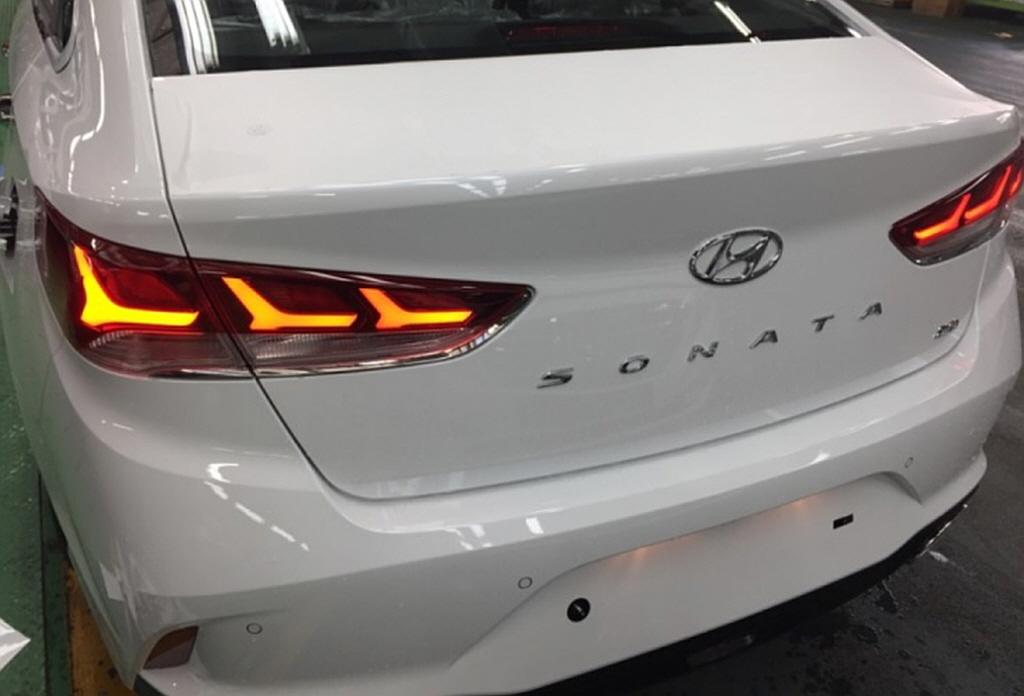 2018_Hyundai_Sonata_leaked_01