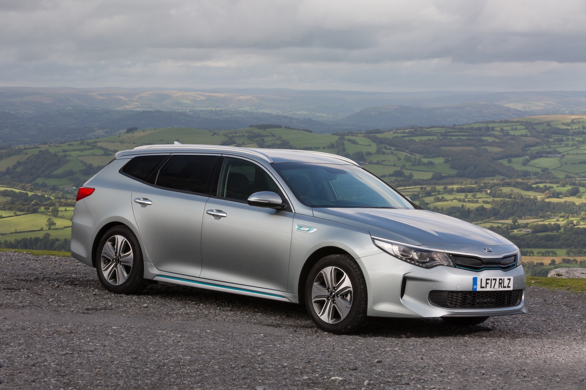 2018_Kia_Optima_Sportswagon_PHEV_01