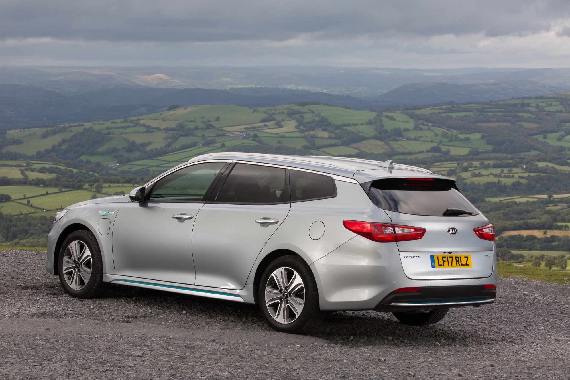 2018_Kia_Optima_Sportswagon_PHEV_02