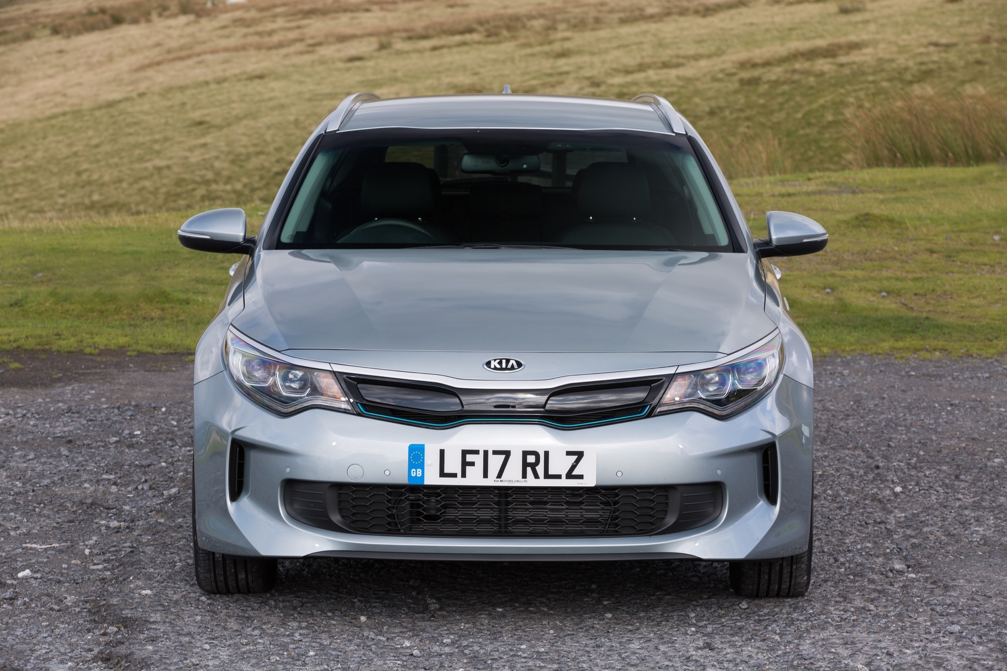 2018_Kia_Optima_Sportswagon_PHEV_04