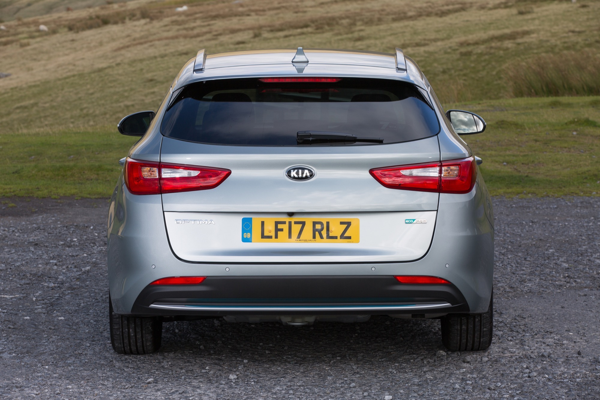 2018_Kia_Optima_Sportswagon_PHEV_05