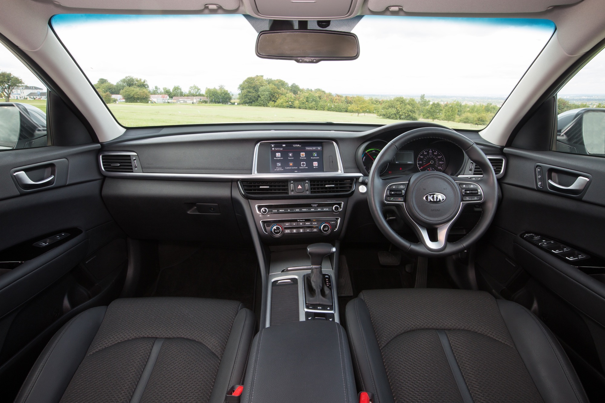 2018_Kia_Optima_Sportswagon_PHEV_16