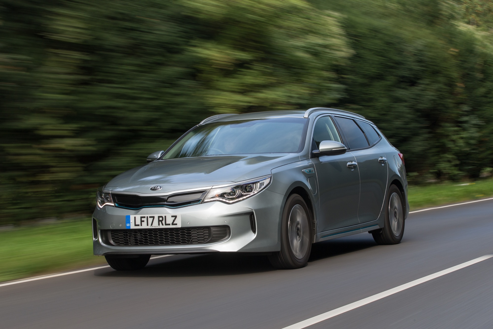 2018_Kia_Optima_Sportswagon_PHEV_26