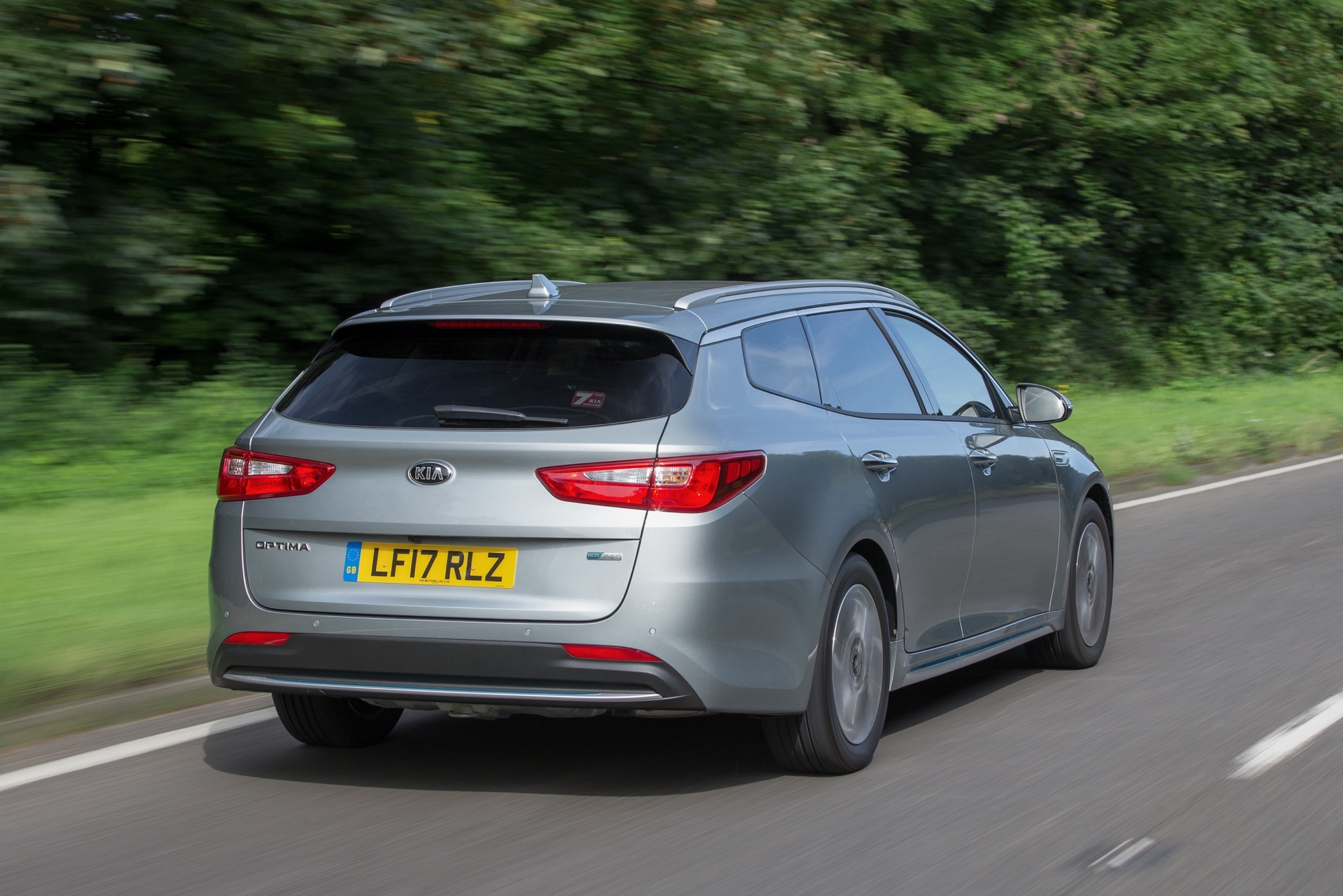 2018_Kia_Optima_Sportswagon_PHEV_27