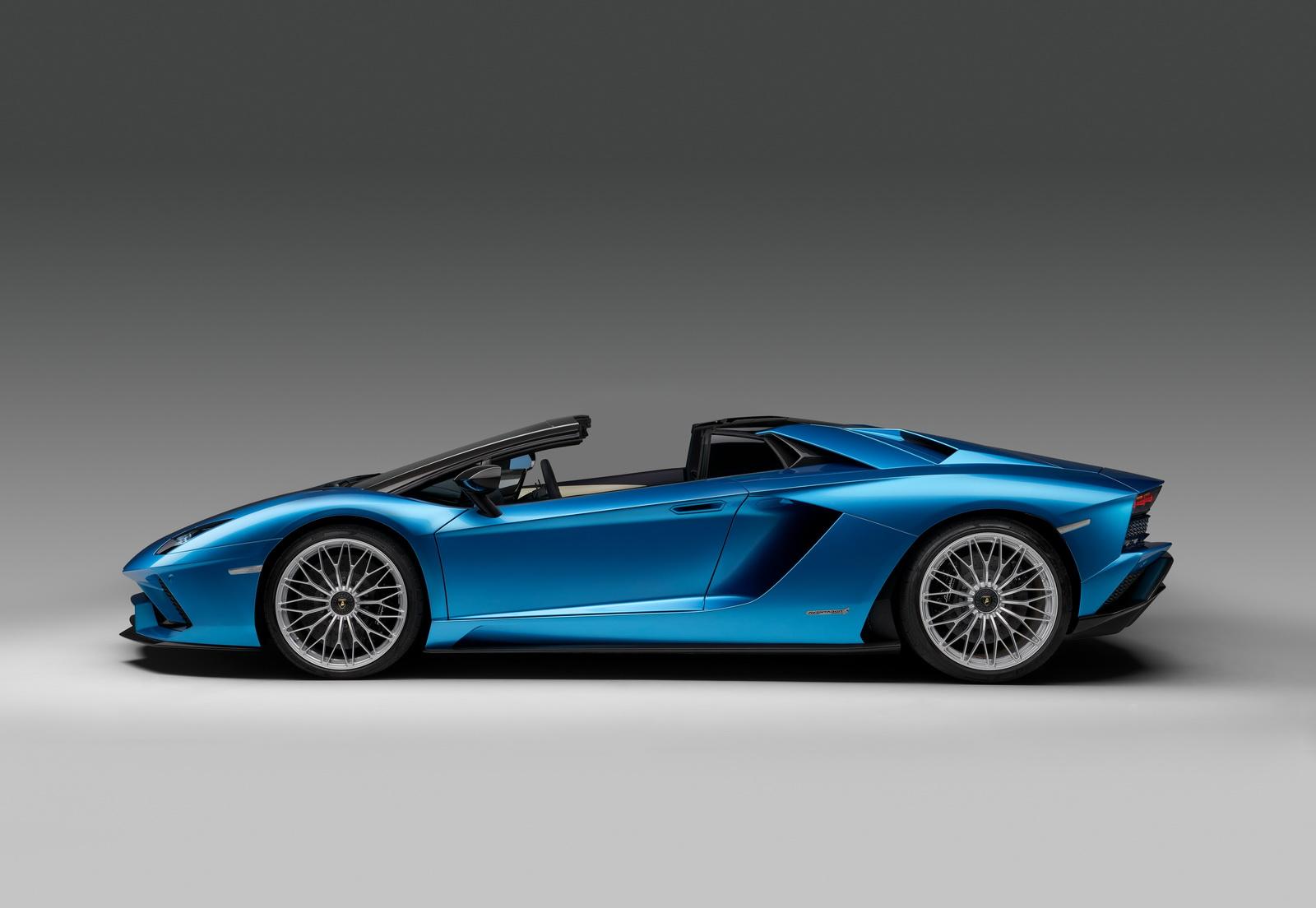 2018_Lamborghini_Aventador_S_Roadster_03