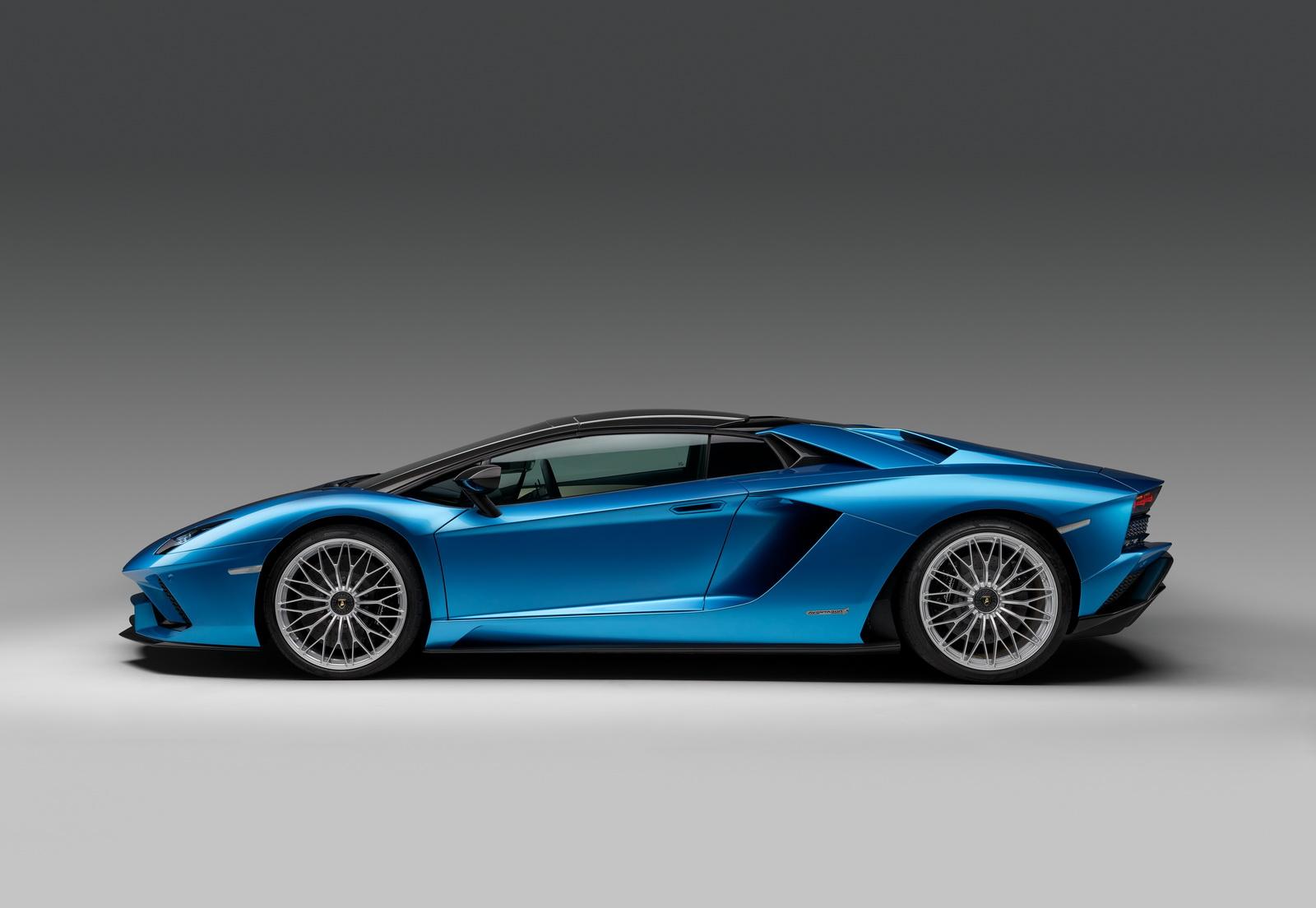 2018_Lamborghini_Aventador_S_Roadster_04
