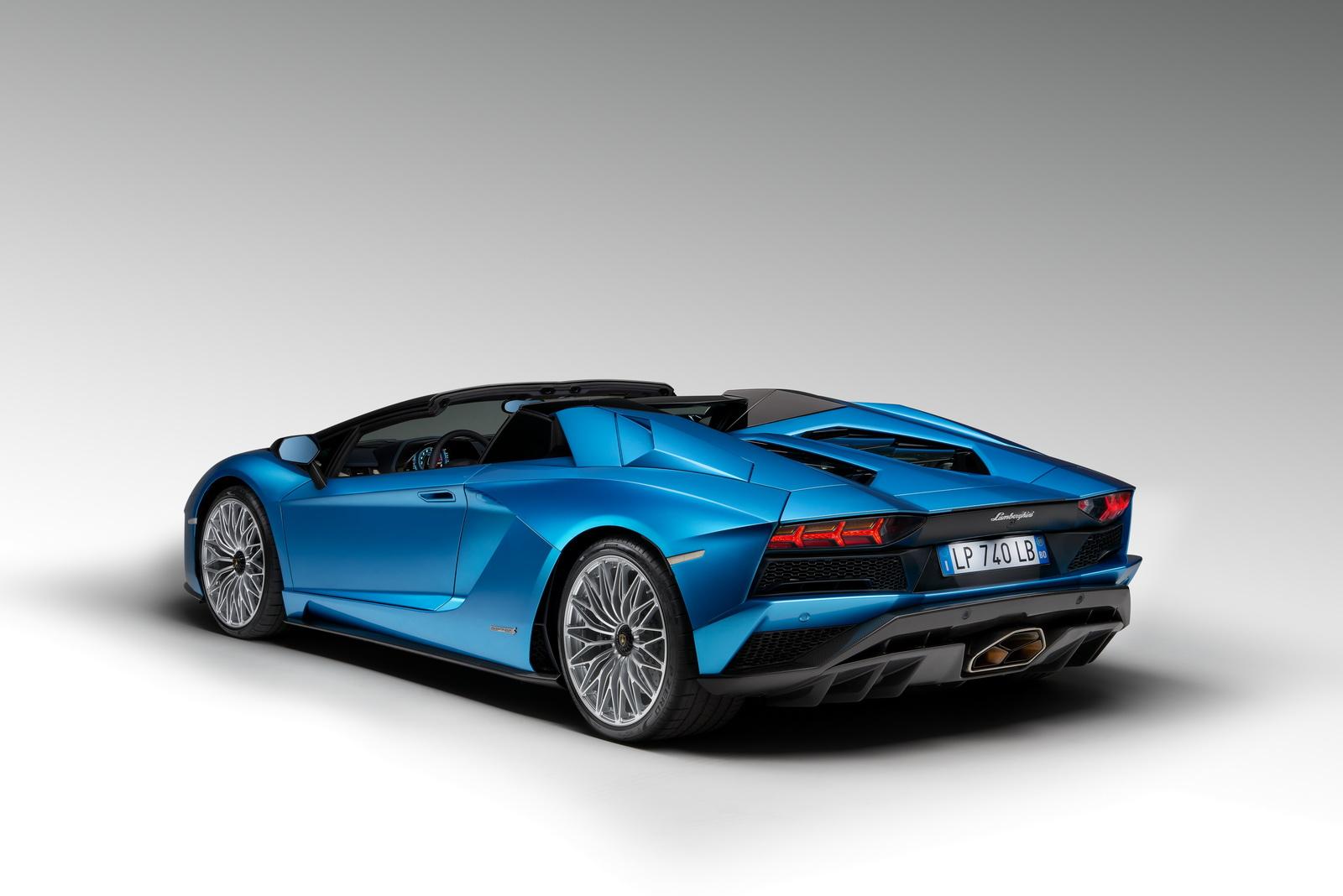 2018_Lamborghini_Aventador_S_Roadster_06
