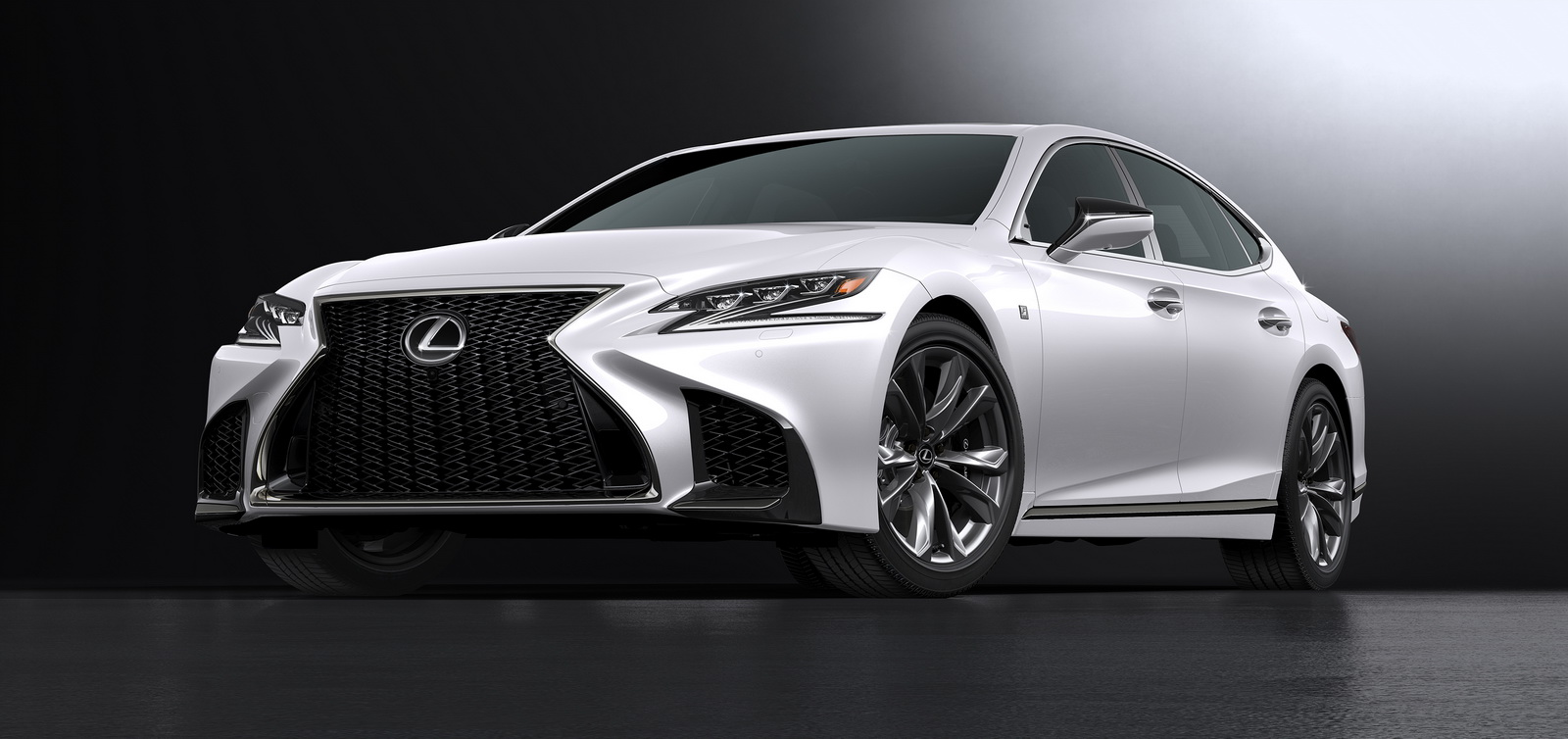 2018_Lexus_LS_500_F_Sport_08