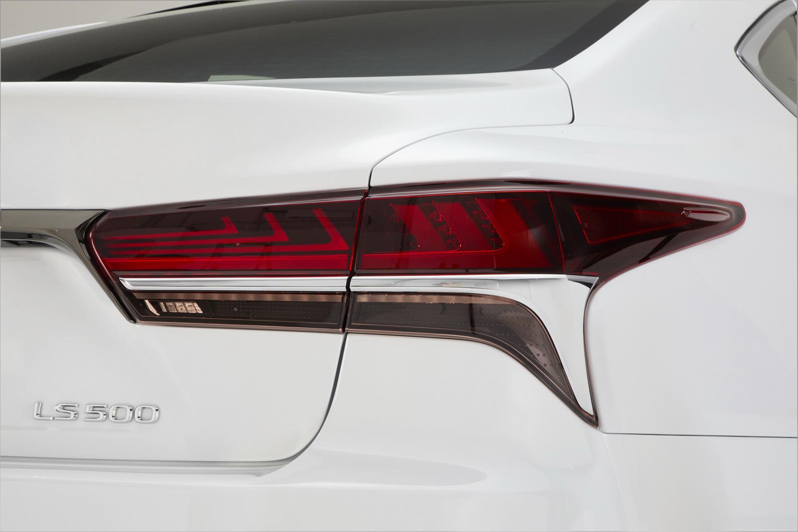 2018_Lexus_LS_500_F_Sport_20