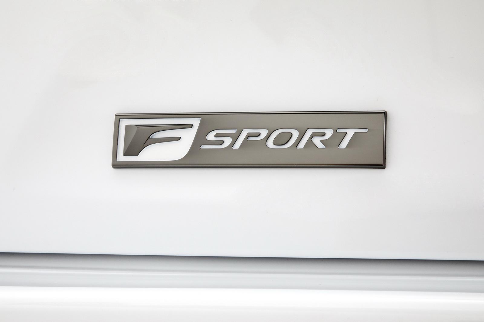2018_Lexus_LS_500_F_Sport_21