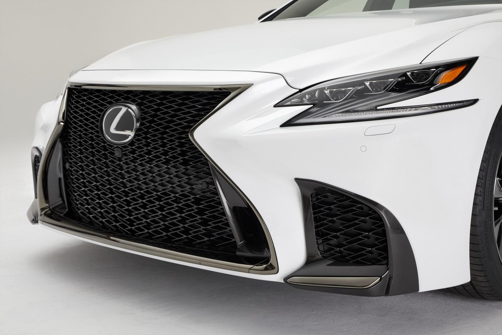 2018_Lexus_LS_500_F_Sport_30