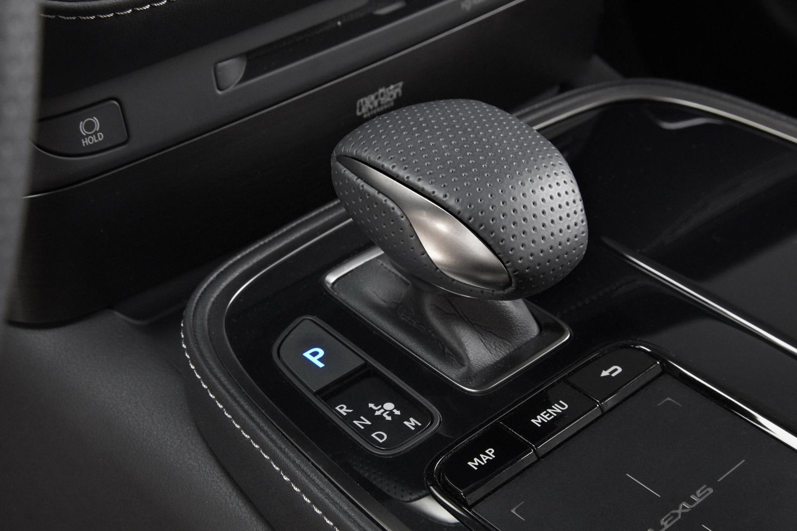 2018_Lexus_LS_500_F_Sport_34
