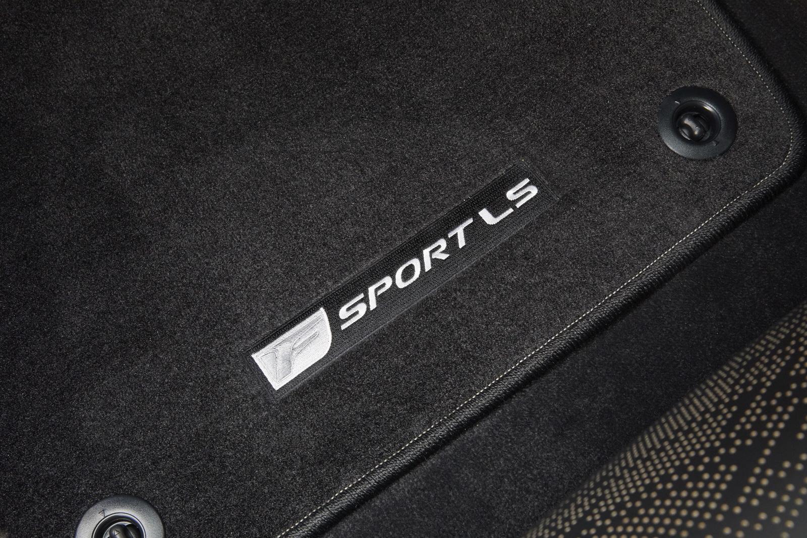 2018_Lexus_LS_500_F_Sport_41