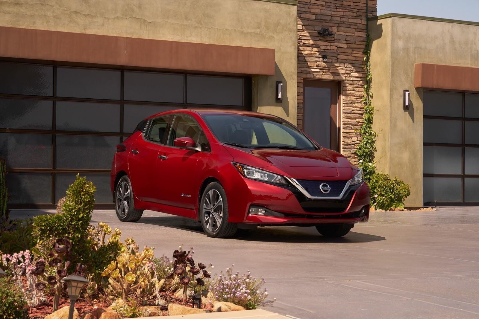 2018_Nissan_Leaf_01
