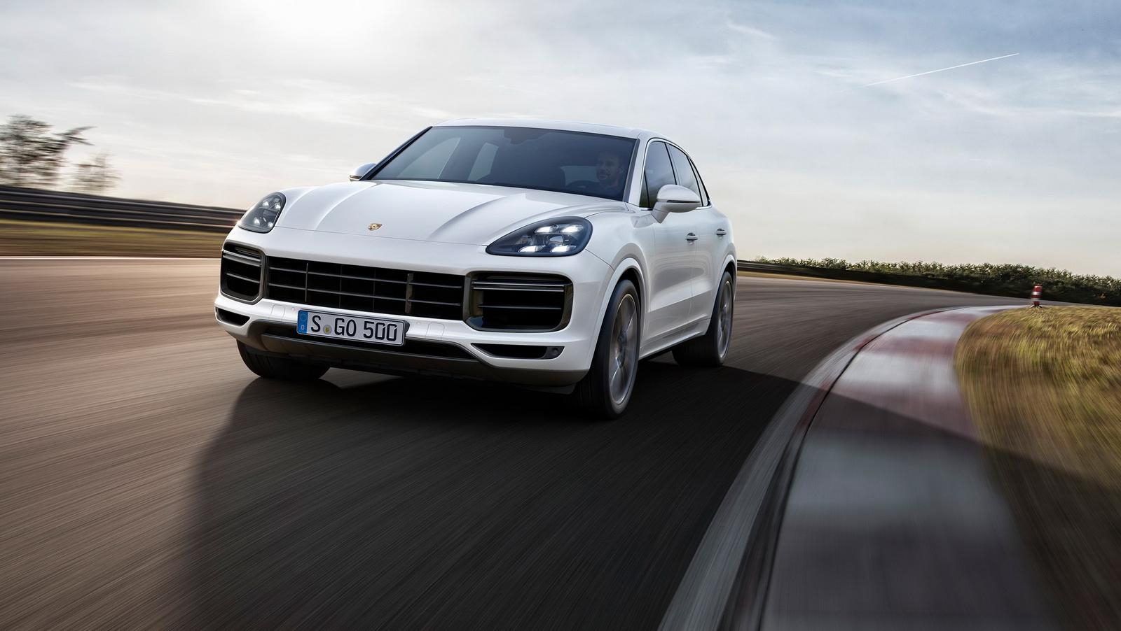 2018_Porsche_Cayenne_Turbo_01