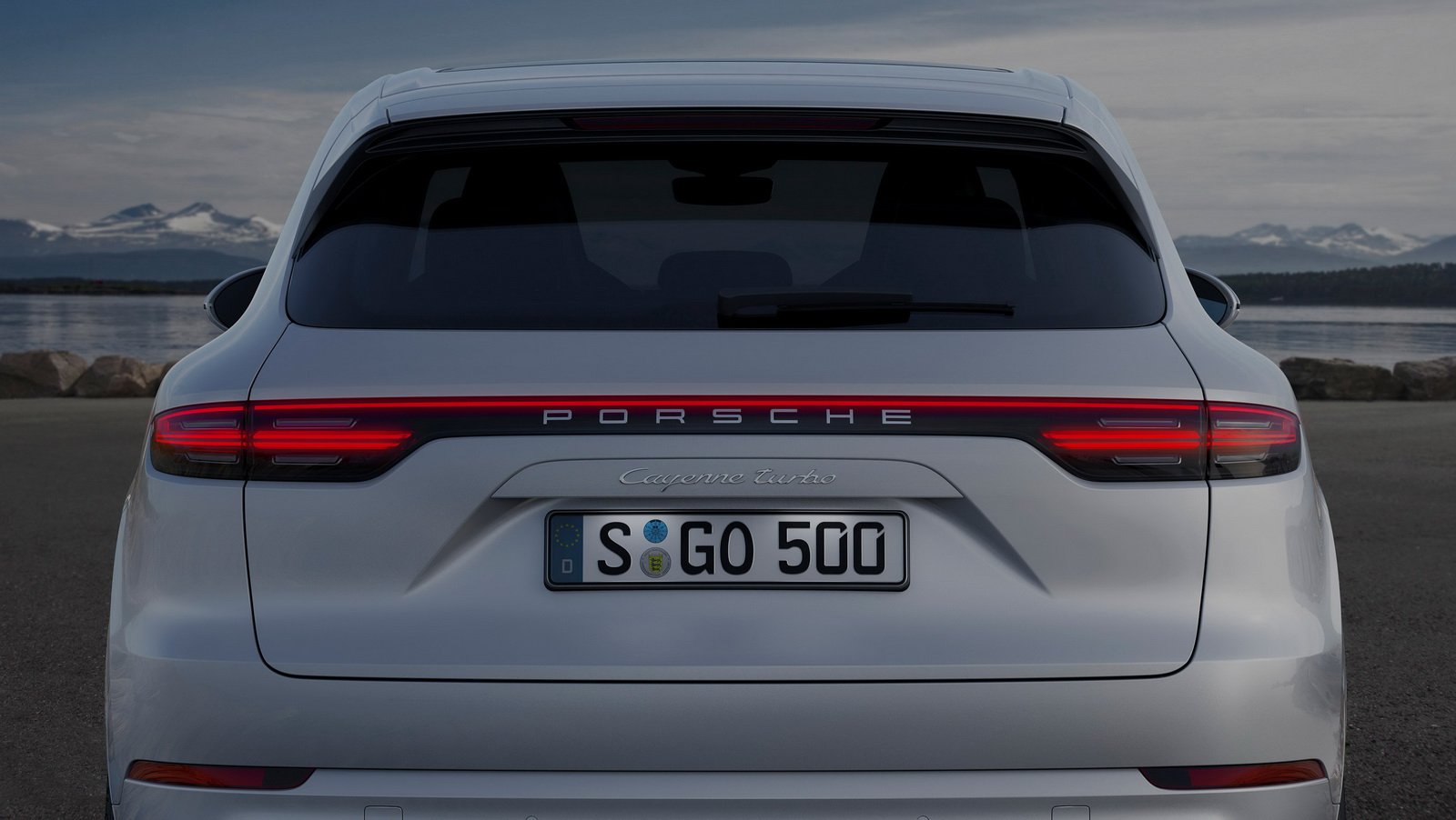 2018_Porsche_Cayenne_Turbo_07