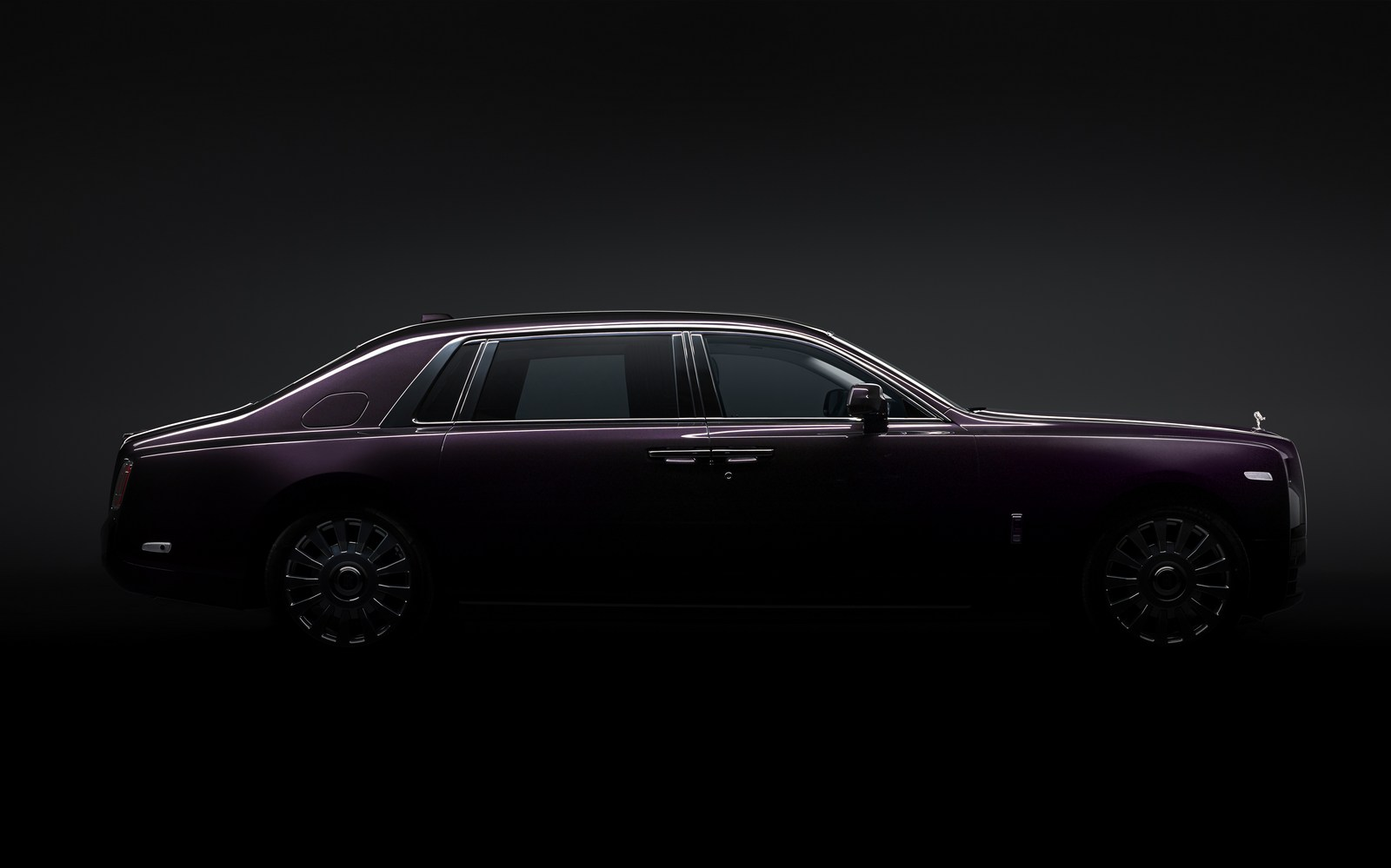2018_Rolls-Royce_Phantom_14