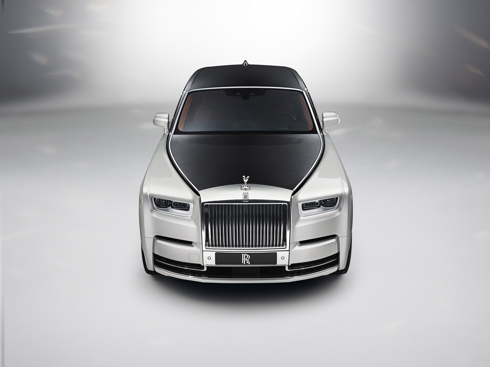 2018_Rolls-Royce_Phantom_19