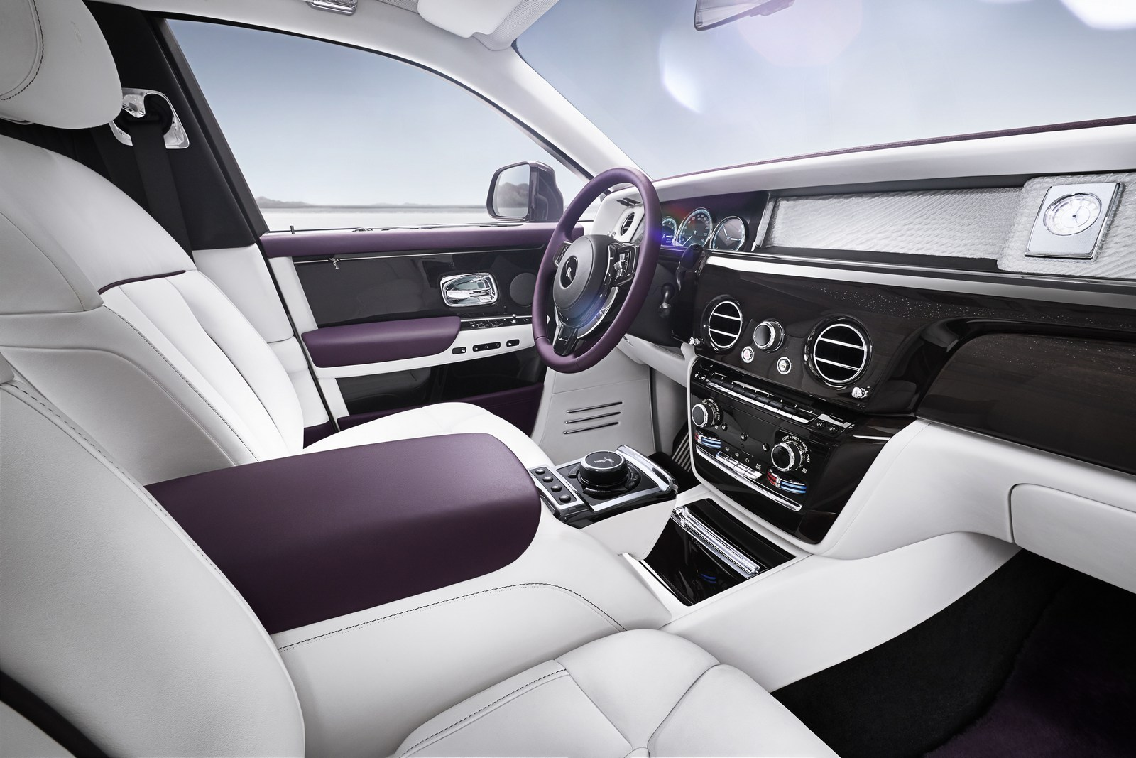 2018_Rolls-Royce_Phantom_23