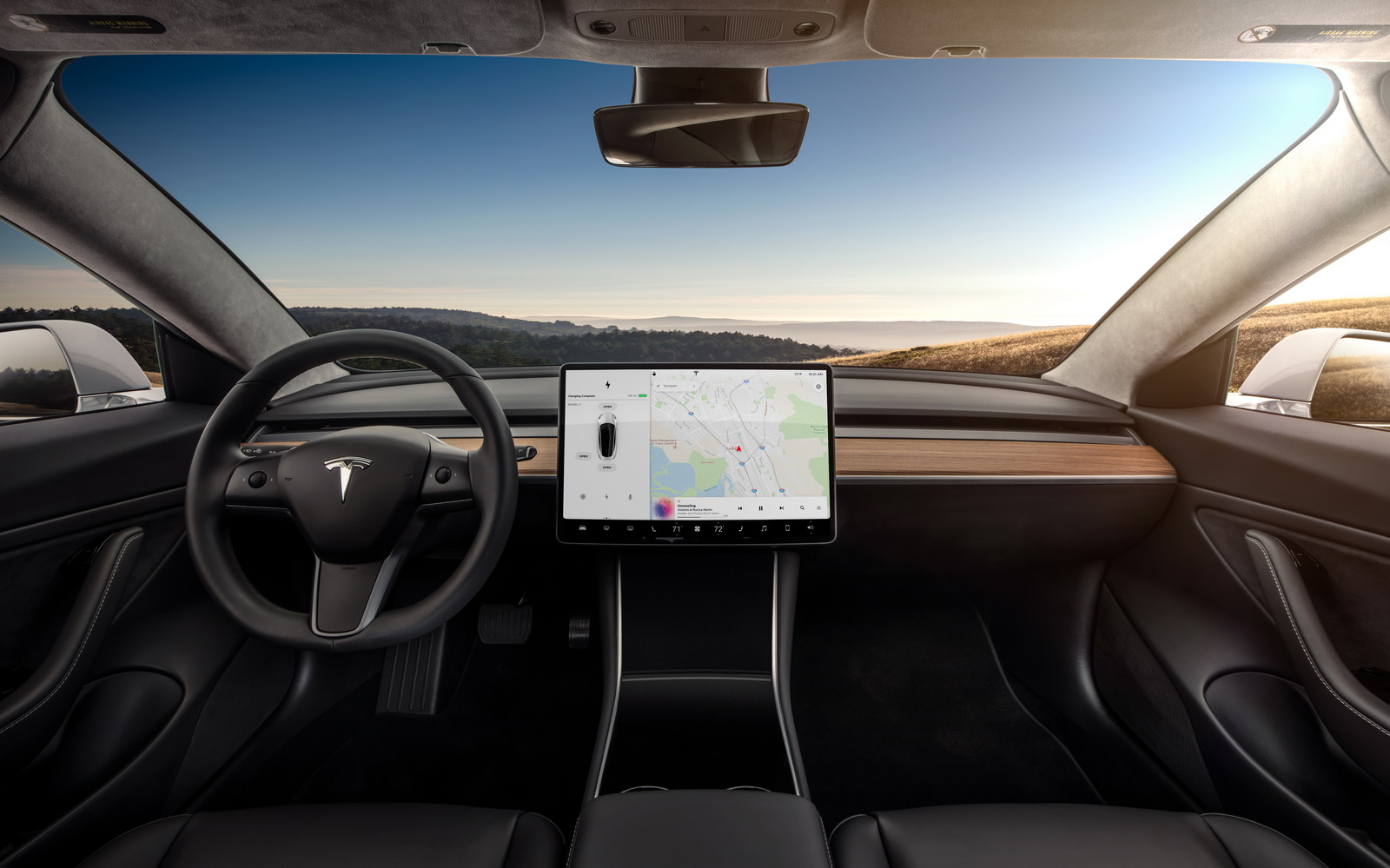 2018_Tesla_Model_3_05