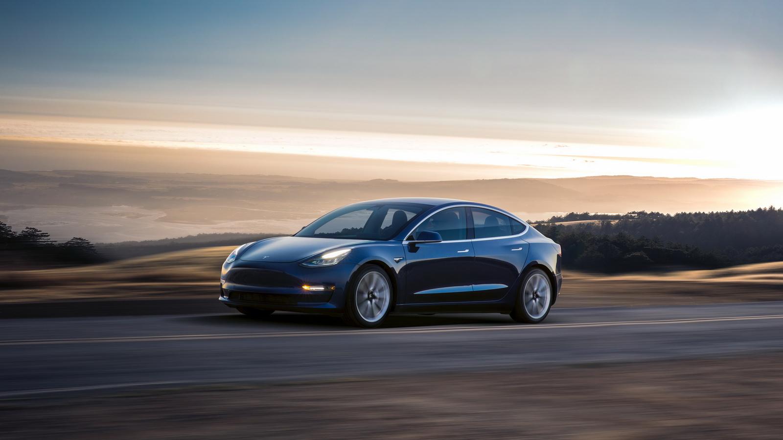 2018_Tesla_Model_3_06