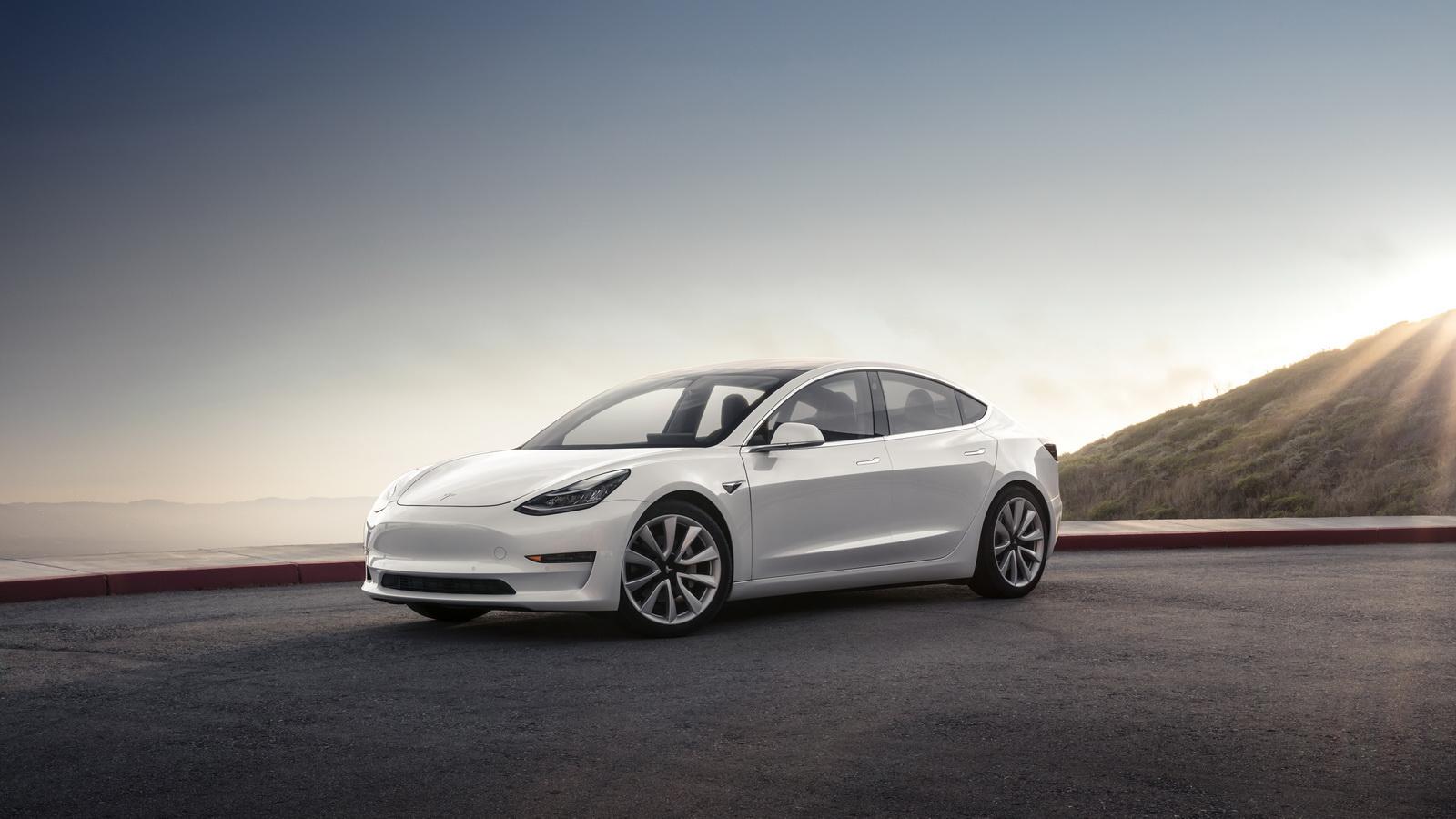 2018_Tesla_Model_3_11