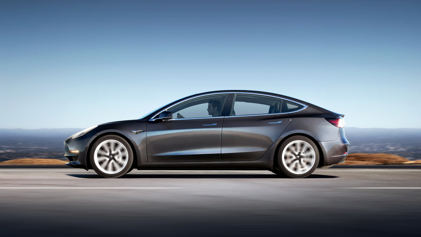 2018_Tesla_Model_3_12