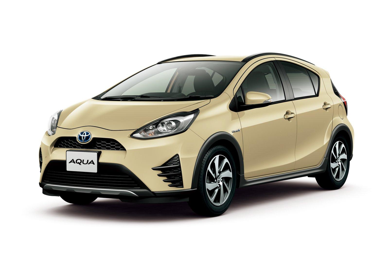 2018_Toyota_Aqua_facelift_01