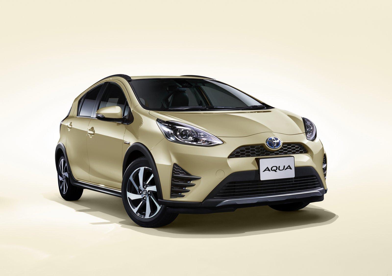2018_Toyota_Aqua_facelift_02