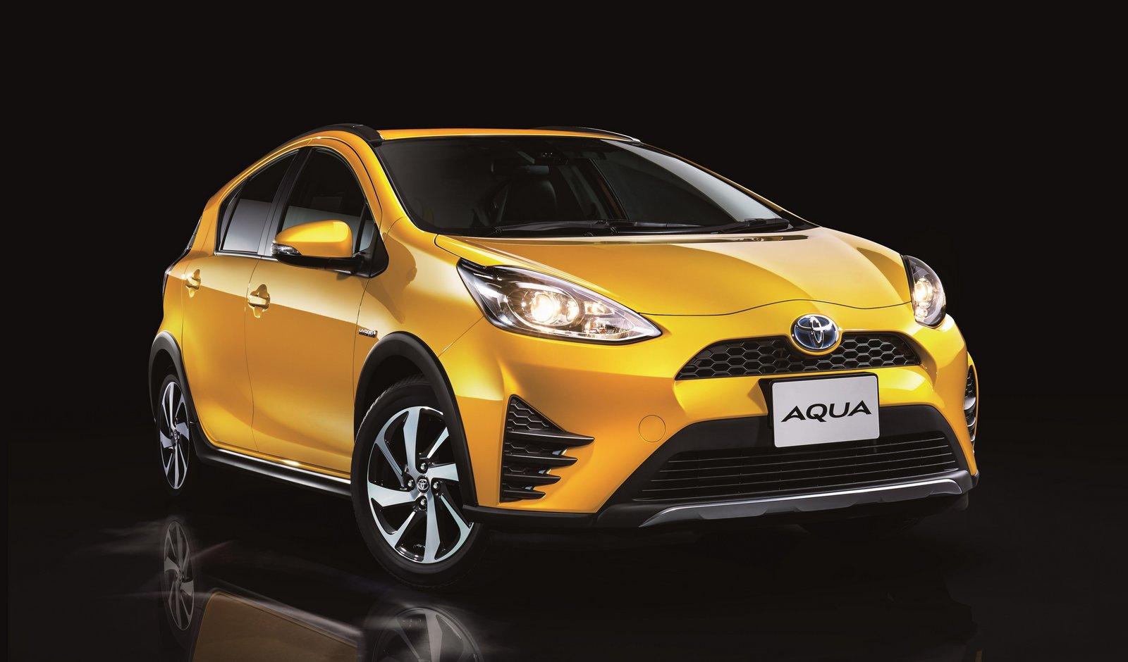 2018_Toyota_Aqua_facelift_03
