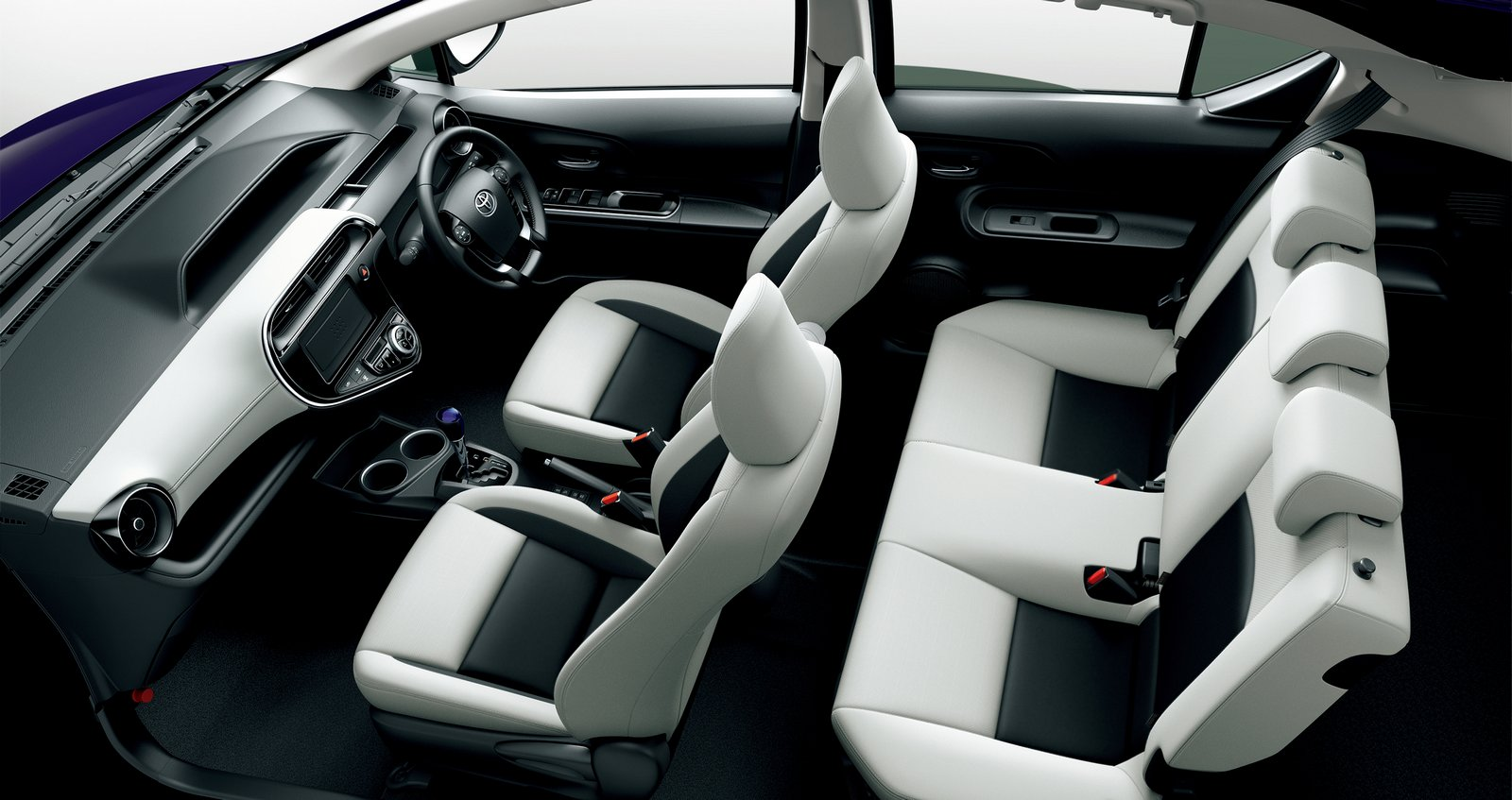 2018_Toyota_Aqua_facelift_11