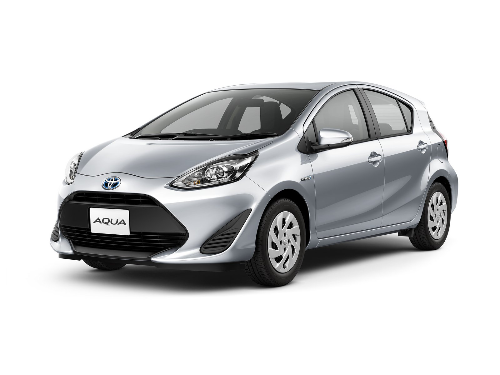 2018_Toyota_Aqua_facelift_16