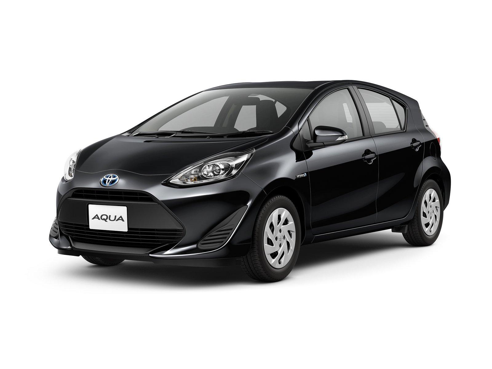 2018_Toyota_Aqua_facelift_18