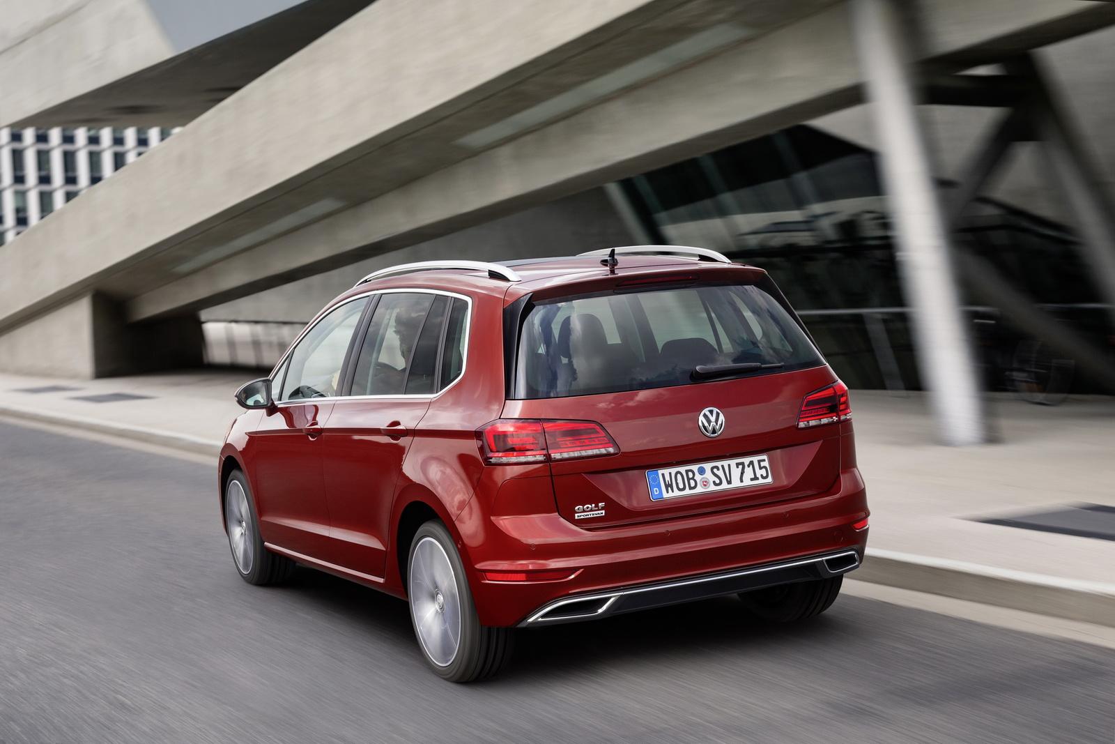2018_Volkswagen_Golf_Sportsvan_facelift_09