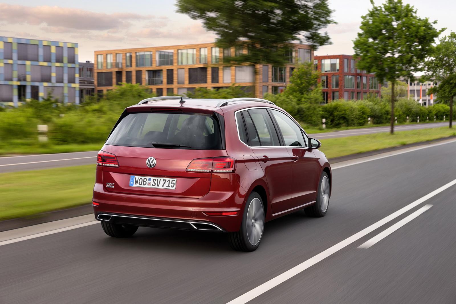 2018_Volkswagen_Golf_Sportsvan_facelift_11
