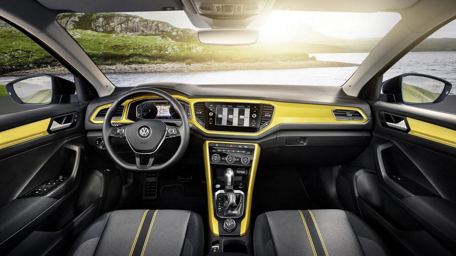 2018_Volkswagen_T-Roc_09