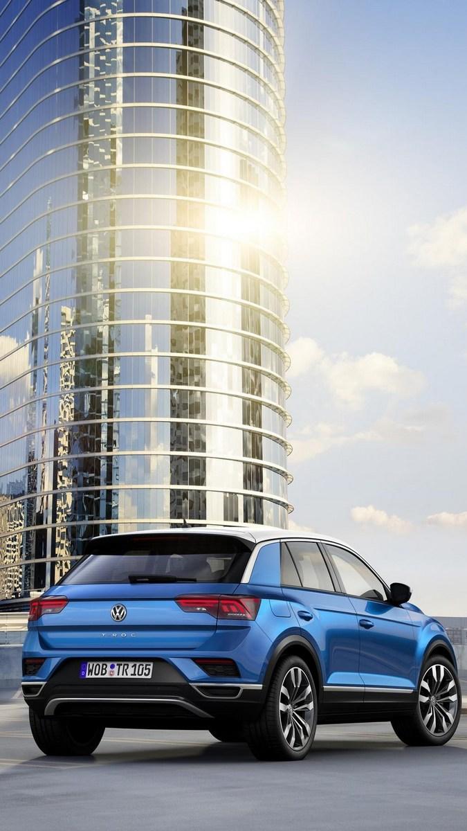 2018_Volkswagen_T-Roc_24