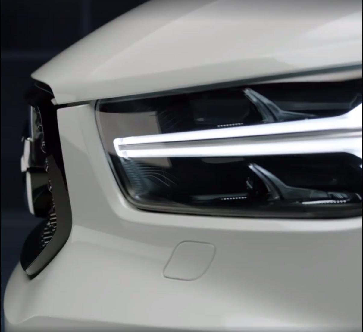 2018_Volvo_XC40_leaked_08