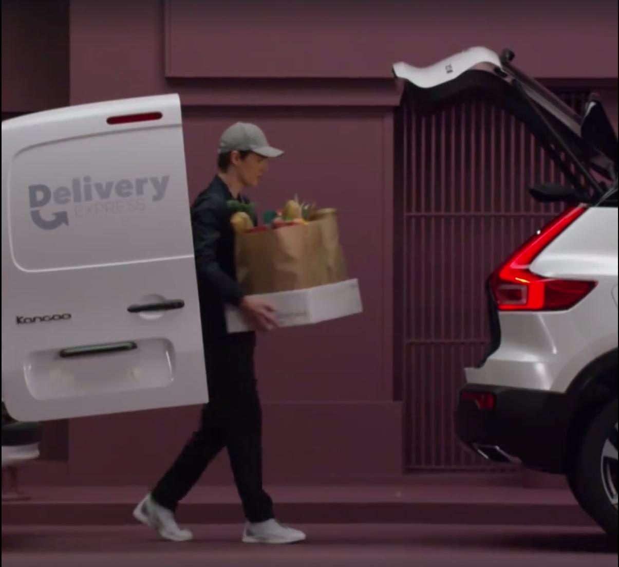 2018_Volvo_XC40_leaked_20
